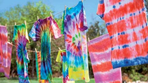 Conheça a história do tie dye